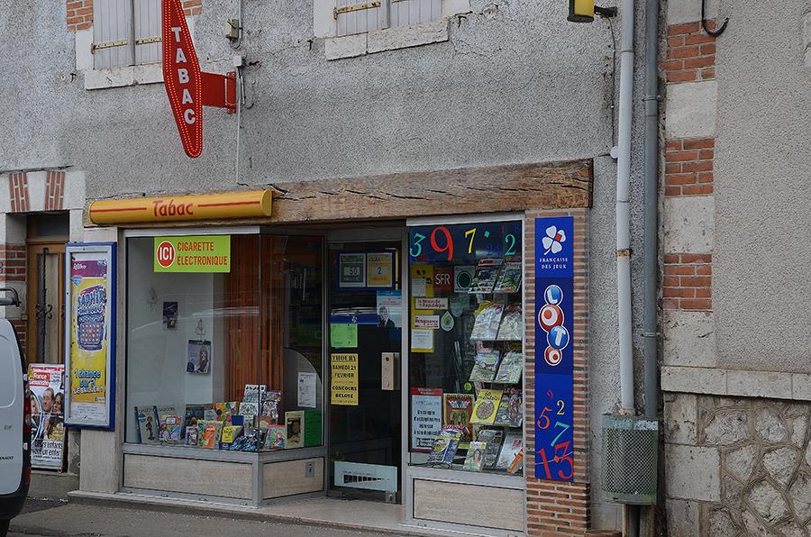 Cabinet villard dechezelles bar tabac pmu à vendre